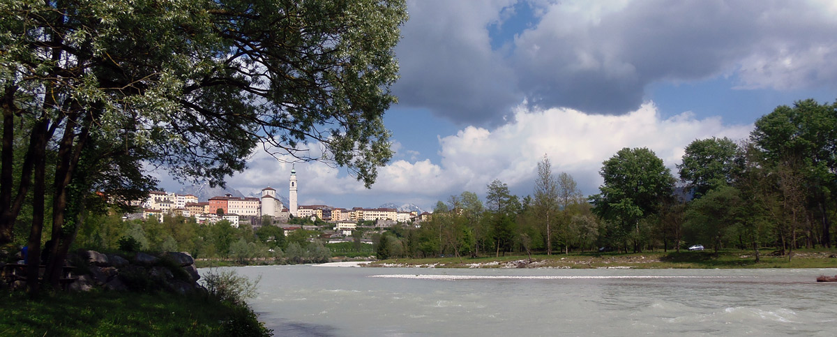 View of Belluno from the beach on River Piave in Lambioi (photo Marta Azzalini)